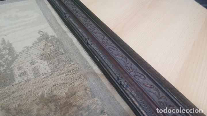 Antigüedades: Antiguo cuadro tapiz con un velero , con un marco en madera precioso - Foto 19 - 100473571