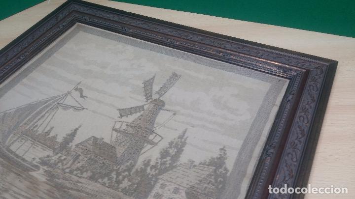 Antigüedades: Antiguo cuadro tapiz con un velero , con un marco en madera precioso - Foto 21 - 100473571
