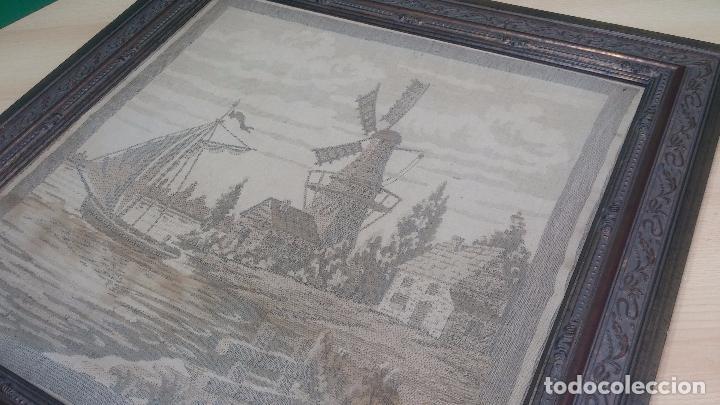 Antigüedades: Antiguo cuadro tapiz con un velero , con un marco en madera precioso - Foto 22 - 100473571