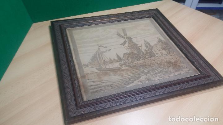 Antigüedades: Antiguo cuadro tapiz con un velero , con un marco en madera precioso - Foto 25 - 100473571