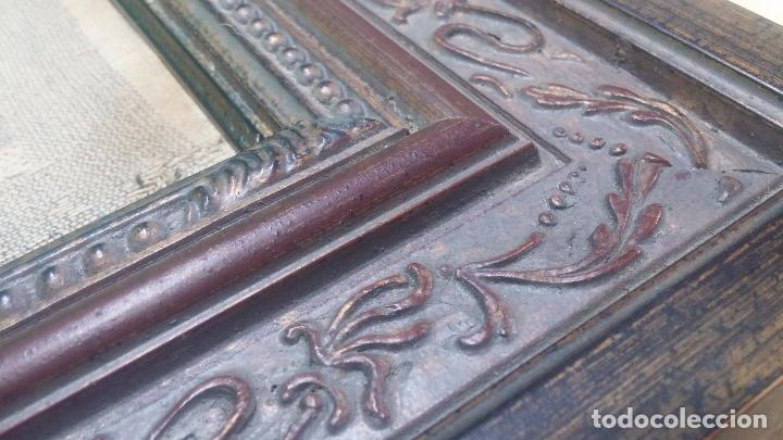 Antigüedades: Antiguo cuadro tapiz con un velero , con un marco en madera precioso - Foto 27 - 100473571