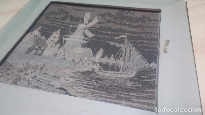 Antigüedades: Antiguo cuadro tapiz con un velero , con un marco en madera precioso - Foto 32 - 100473571