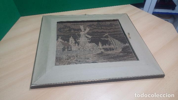 Antigüedades: Antiguo cuadro tapiz con un velero , con un marco en madera precioso - Foto 38 - 100473571
