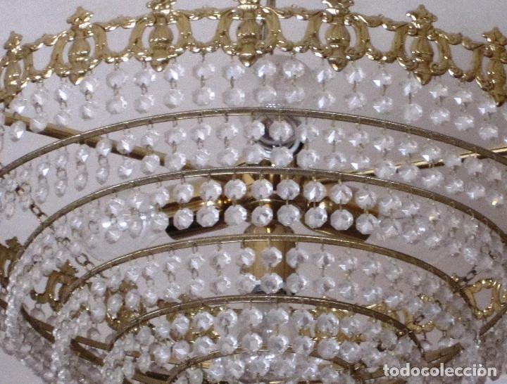 Antigüedades: ANTIGUA LAMPARA REDONDA DE CRISTALITOS. 40 CMS DE DIAMETRO. MUY BUEN ESTADO - Foto 2 - 127543322