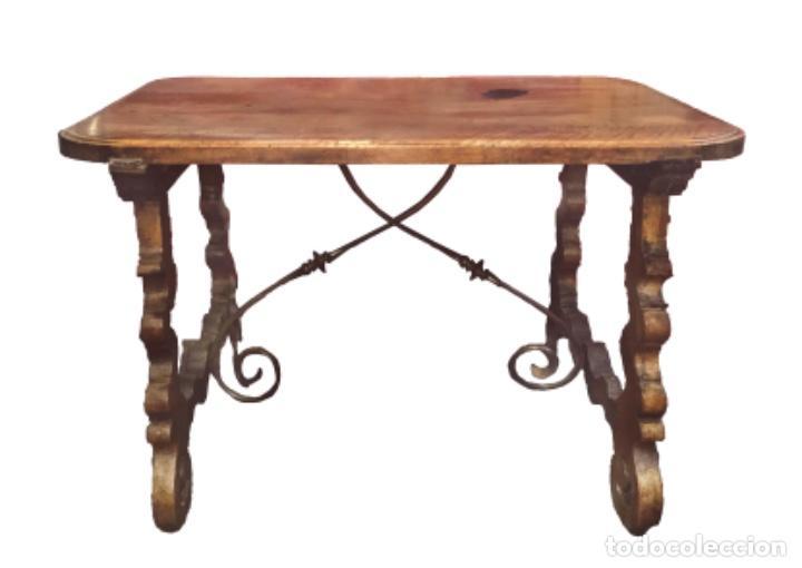 Antigüedades: Excepcional mesa aragonesa de pata de lira. Nogal macizo. Siglo XVII - Foto 2 - 100494991