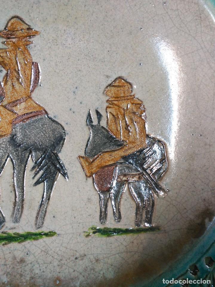 Antigüedades: PLATO DE DON QUIJOTE Y SANCHO PANZA DE CERAMICA GUADIAMURO - Foto 9 - 100508975