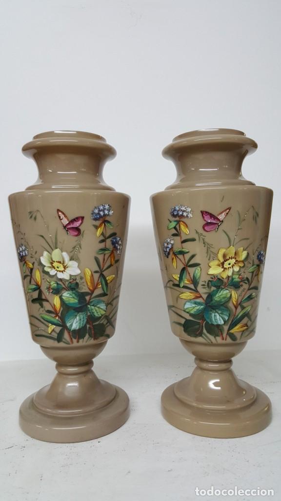 Antigüedades: Preciosa pareja de floreros opalina y esmaltes. Finales siglo XIX. - Foto 2 - 100526823
