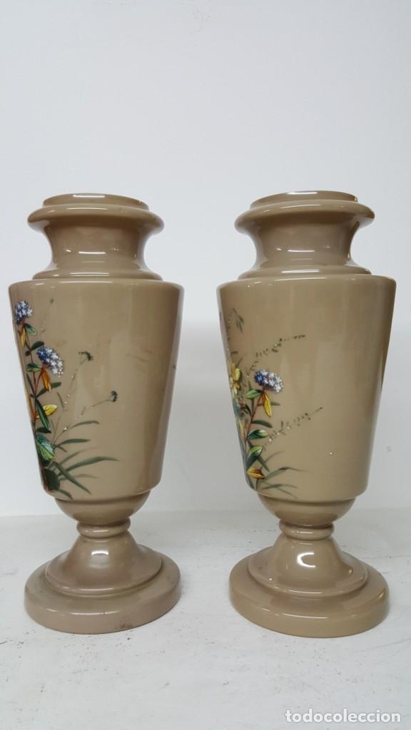 Antigüedades: Preciosa pareja de floreros opalina y esmaltes. Finales siglo XIX. - Foto 3 - 100526823