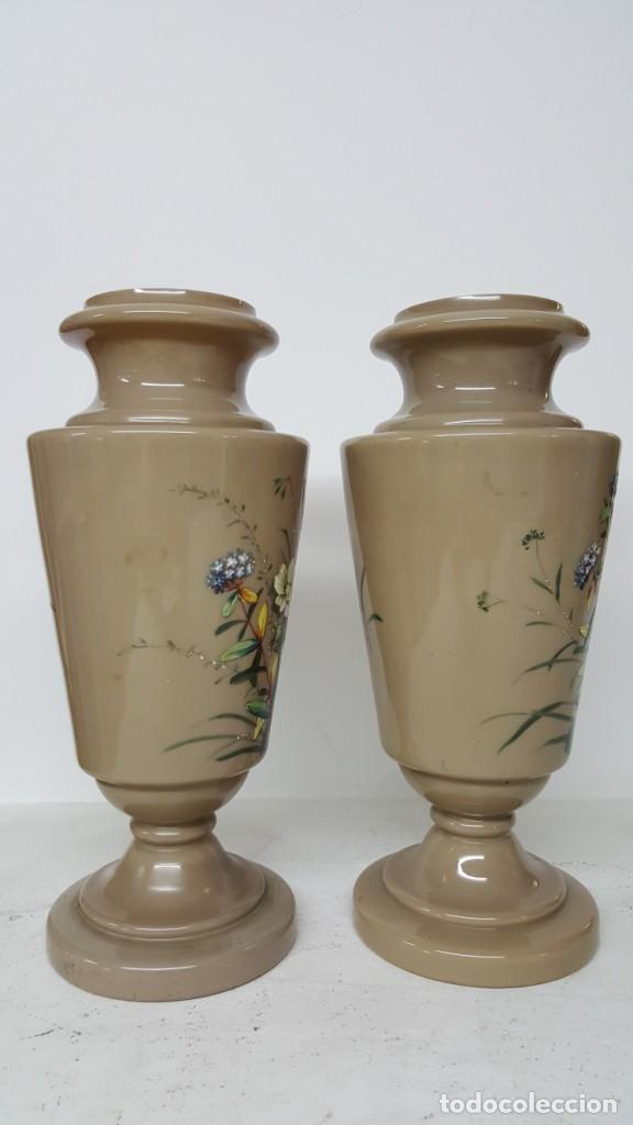 Antigüedades: Preciosa pareja de floreros opalina y esmaltes. Finales siglo XIX. - Foto 5 - 100526823