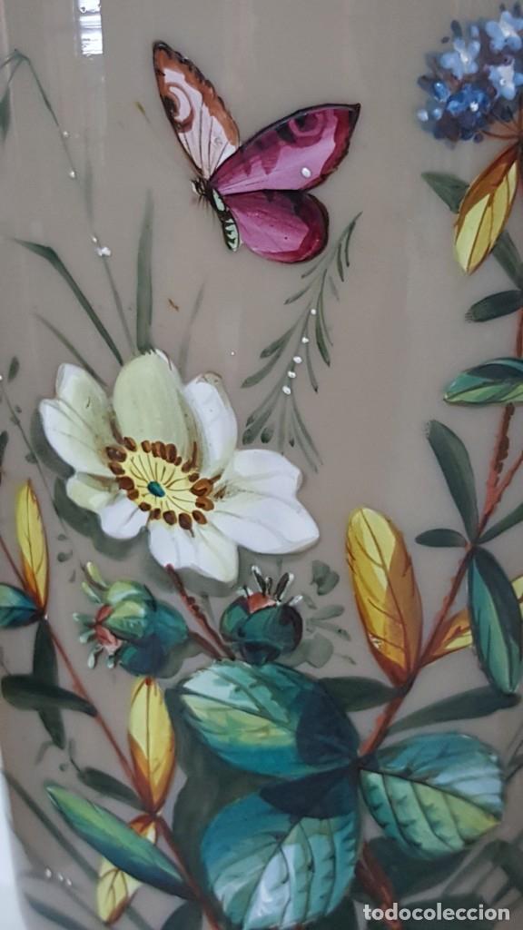 Antigüedades: Preciosa pareja de floreros opalina y esmaltes. Finales siglo XIX. - Foto 7 - 100526823