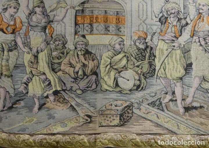Antigüedades: Tapiz francés vintage años 40, baile árabe con cachimba. - Foto 2 - 100531275
