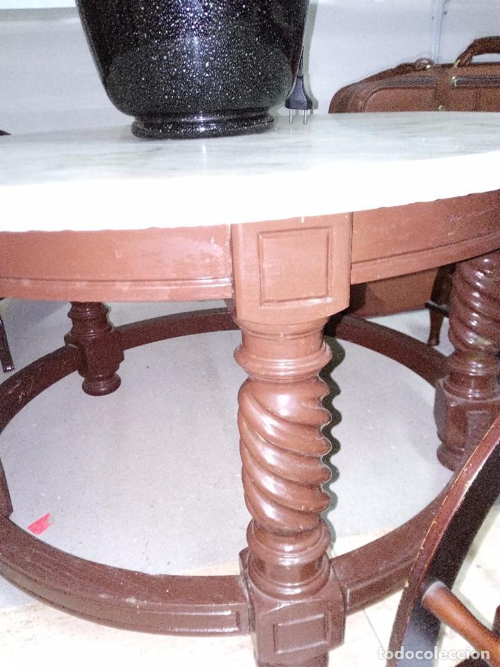 Antigüedades: Mesa auxiliar redonda madera y piedra blanca veteada - Foto 2 - 100535163