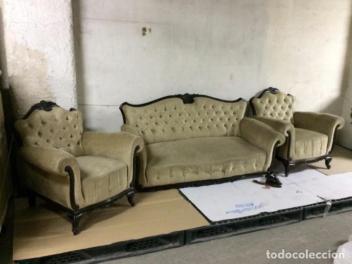 Antigüedades: ANTIGUO TRESILLO CON RESPALDO CAPITONÉ - Foto 5 - 171320834