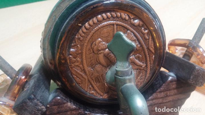 Antigüedades: Barril precioso en cristal ámbar y cuero repujado, con Don quijote de la Mancha - Foto 7 - 100554463