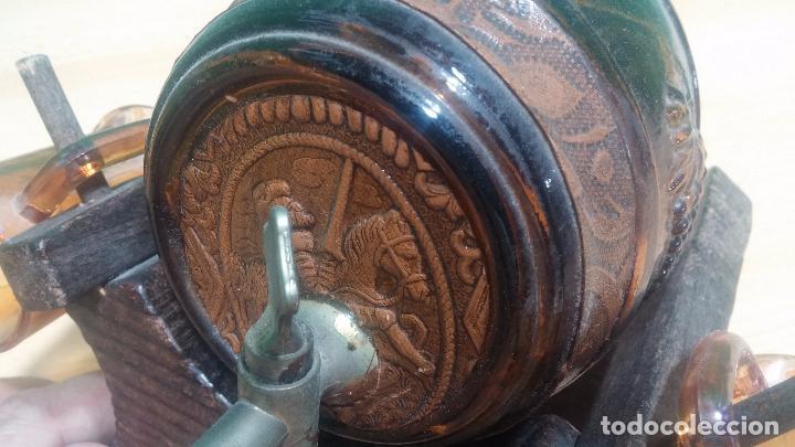 Antigüedades: Barril precioso en cristal ámbar y cuero repujado, con Don quijote de la Mancha - Foto 8 - 100554463