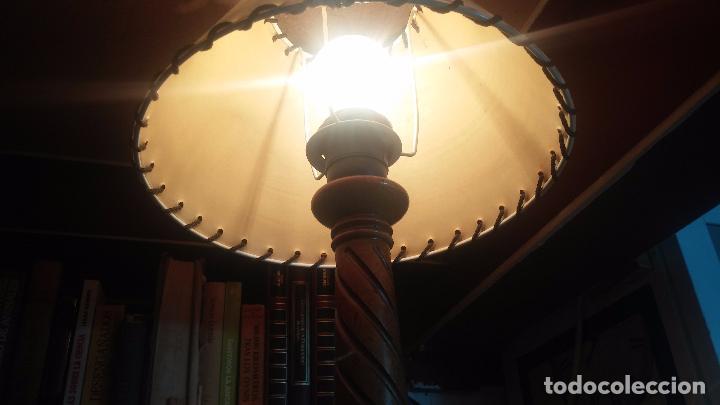 Antigüedades: Estupenda lampara de sobremesa en madera, muy acogedora. - Foto 5 - 100554723