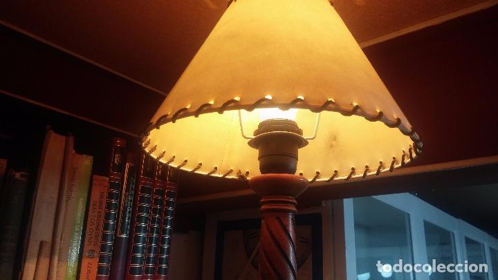 Antigüedades: Estupenda lampara de sobremesa en madera, muy acogedora. - Foto 10 - 100554723