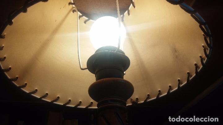 Antigüedades: Estupenda lampara de sobremesa en madera, muy acogedora. - Foto 14 - 100554723