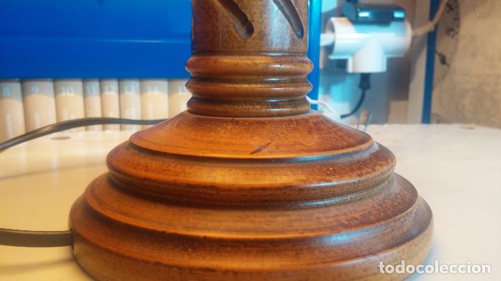 Antigüedades: Estupenda lampara de sobremesa en madera, muy acogedora. - Foto 18 - 100554723