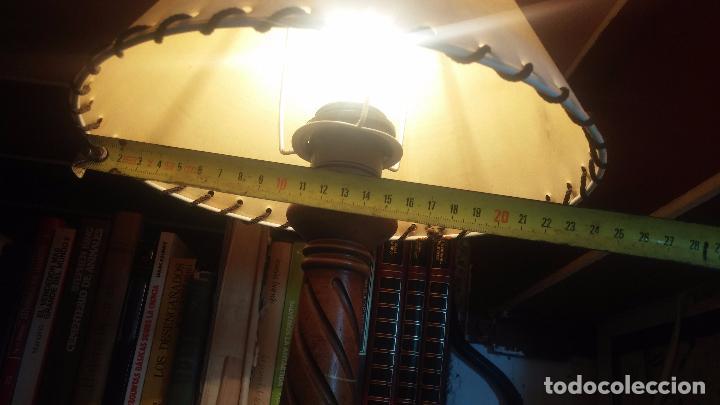 Antigüedades: Estupenda lampara de sobremesa en madera, muy acogedora. - Foto 20 - 100554723