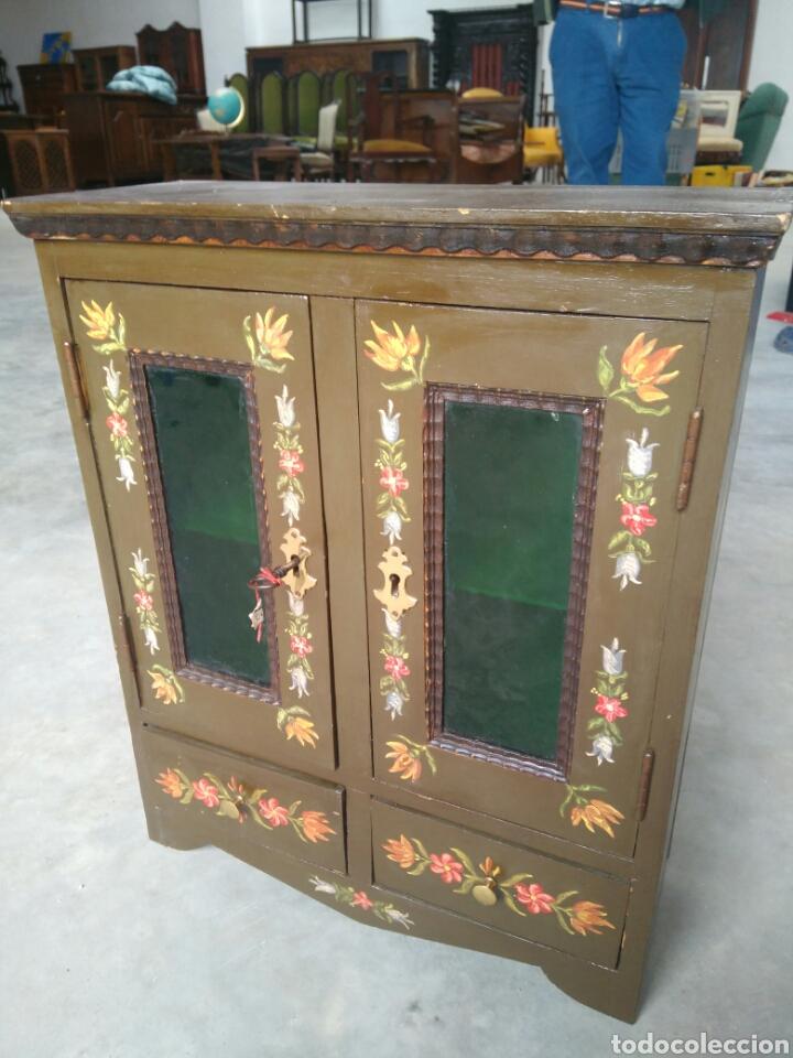 Mueble para ba o botiquin perfumes procedencia comprar - Muebles bano antiguos ...