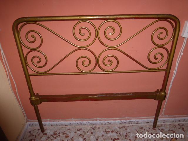 ANTIGUO CABEZAL DE CAMA DE HIERRO (Antigüedades - Muebles Antiguos - Camas Antiguas)