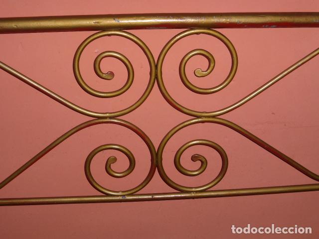 Antigüedades: ANTIGUO CABEZAL DE CAMA DE HIERRO - Foto 4 - 100595507