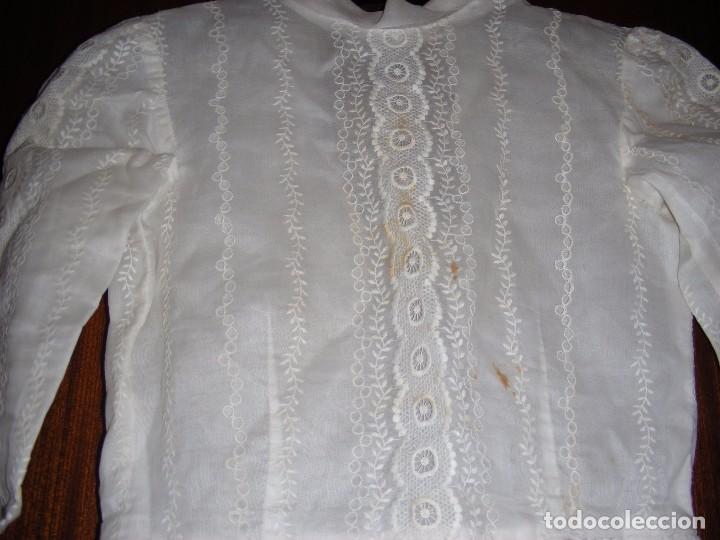 Antigüedades: VESTIDO ANTIGUO DE COMUNION ORGANDI CON BORDADOS - Foto 7 - 100614691
