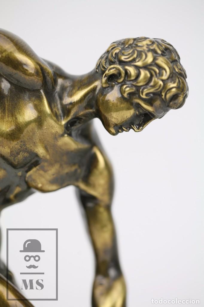 Antigüedades: Escultura de Resina o Similar Sobre Base de Mármol Negro - Reproducción Escultura Griega Discóbolo - Foto 3 - 100709459