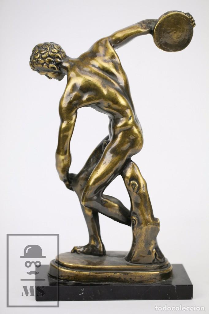 Antigüedades: Escultura de Resina o Similar Sobre Base de Mármol Negro - Reproducción Escultura Griega Discóbolo - Foto 6 - 100709459