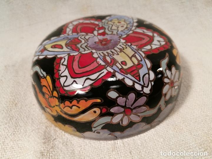 Antigüedades: Cuenco de cristal esmaltado. FIRMADO Royo. PLATO - Foto 4 - 100757143