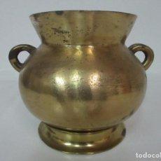 Antigüedades: ANTIGUA OLLA CON SALVAMANTELES - BRONCE - PESO 4 KG - S. XIX. Lote 100903899