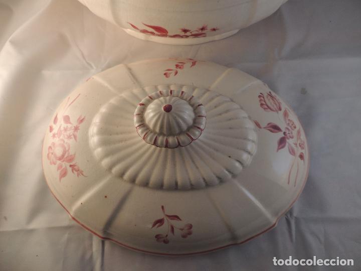 Antigüedades: SOPERA DE CERAMICA ANTIGUA DECORADA A MANO - Foto 7 - 100991019