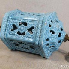 Antigüedades: LAMPARA DE TECHO FAROL EN CERAMICA DE MANISES. ESMALTADA EN AZUL TURQUESA, . Lote 101044251