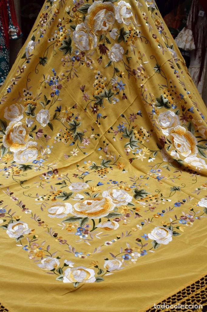 Antigüedades: Manton de Manila seda bordada a mano - Foto 2 - 118908934