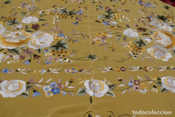 Antigüedades: Manton de Manila seda bordada a mano - Foto 7 - 118908934