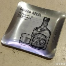 Antigüedades: ANTIGUO CENICERO METALICO CHIVAS REGAL. Lote 101046359