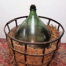 Antiquités: DAMAJUANA DE GRANDES DIMENSIONES. CRISTAL SOPLADO VERDE. ESPAÑA. SIGLO XIX-XX.. Lote 112377724