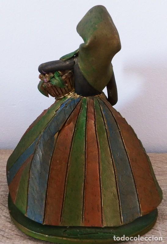 Antigüedades: FIGURA DE MUJER EN TERRACOTA COLOREADA FIRMADO C. OLIVER AÑOS 50 - Foto 6 - 101083731
