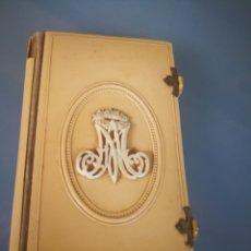 Antigüedades: LIBRO DE COMUNION SIGLO XIX. LETRAS EN MARFIL. Lote 101154819