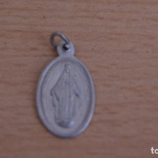Antigüedades: PEQUEÑA MEDALLA DE LA VIRGEN EN ALUMINIO. Lote 101184591