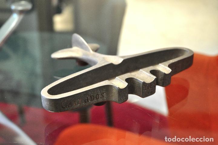 Antigüedades: ANTIGUO CENICERO CALZADOS AVION con teléfono de 4 dígitos - Foto 5 - 101187267