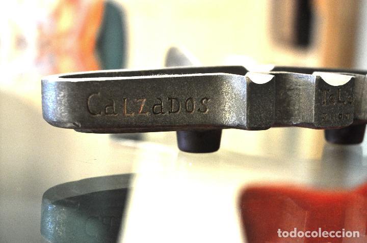 Antigüedades: ANTIGUO CENICERO CALZADOS AVION con teléfono de 4 dígitos - Foto 6 - 101187267