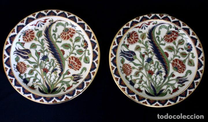 Antigüedades: Pareja de platos de ceramica, elaborados y pintado a mano, de Grecia - Foto 3 - 101199619