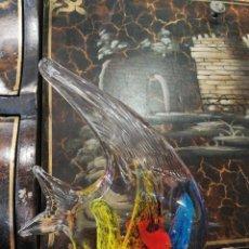 Antigüedades: PISAPAPELES DE VIDRIO DE MURANO CON FORMA DE PEZ. Lote 101211287