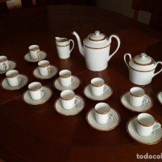 Antigüedades: JUEGO COMPLETO DE CAFE DE 12 SERVICIOS - LIMOGES - ORO PULIDO AL ÁGATA. Lote 101227047