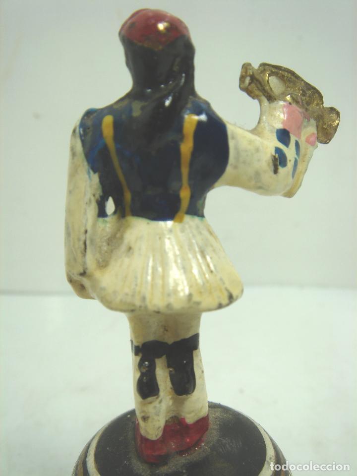 Antigüedades: MUY ANTIGUA CAMPANA BRONCE ESMALTADO -SOLDADO CORNETA - DE MANO CAMPANILLA - Foto 5 - 101264171