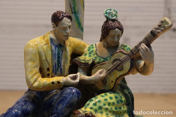 Antigüedades: Cantaor y flamenca a la guitarra. Firmada, Triana siglo XIX - Foto 2 - 101373435