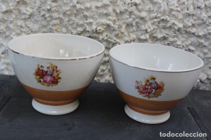ANTIGUOS TAZONES DE LA CARTUJA DE SEVILLA PICKMAN CON ESCENAS GALANTES (Antigüedades - Porcelanas y Cerámicas - La Cartuja Pickman)