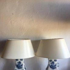 Antigüedades: PAREJA DE LAMPARAS DE PORCELANA. Lote 101396187